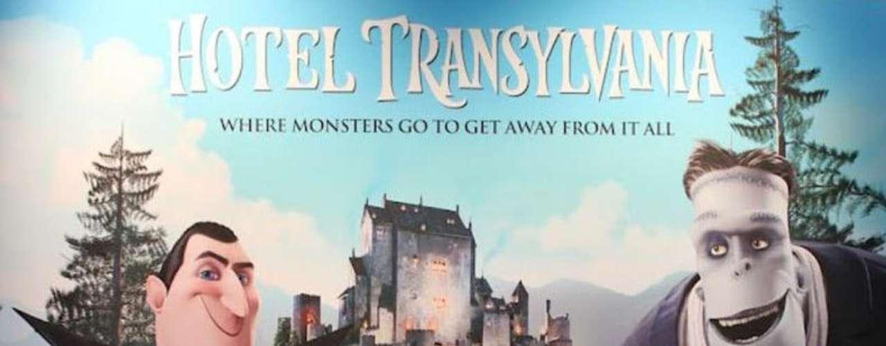 Afiche promocional con los personajes del filme 'Hotel Transylvania'
