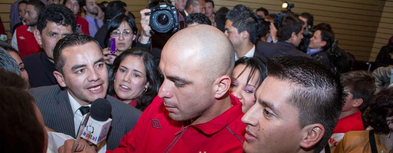 Los jugadores, cuerpo técnico y directivas del cuadro albirrojo, fueron citados al Palacio de Liévano para el evento.