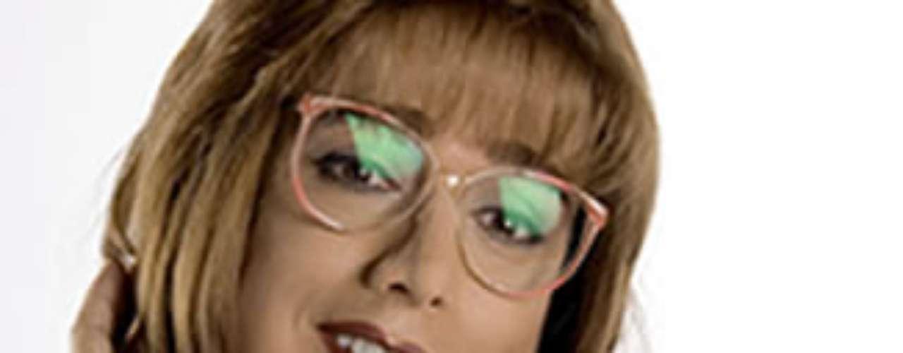 Eva María León Jaramillo. Jorge Enrique Abello encarnó el papel de Juan Camilo en la novela 'En los tacones de Eva'. Allí su personaje  decide darle vida a una mujer solterona de 55 años para recobrar la vida que tenia.