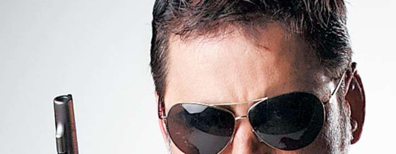 Milton Jiménez 'El Cabo'. En la serie 'El Cartel de los sapos' 1 y 2, Robinson Díaz logró una interpretación peculiar de este matón, convertido en uno de los jefes de la mafia más poderosos del país. Para muchos televidentes ha sido uno de los mejores papeles del actor colombiano.