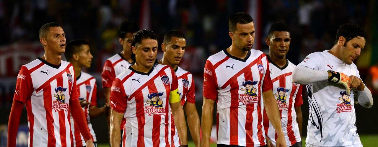 Jugadores del Junior decepcionados tras su primer partido oficial de comienzo de semestre en el FPC