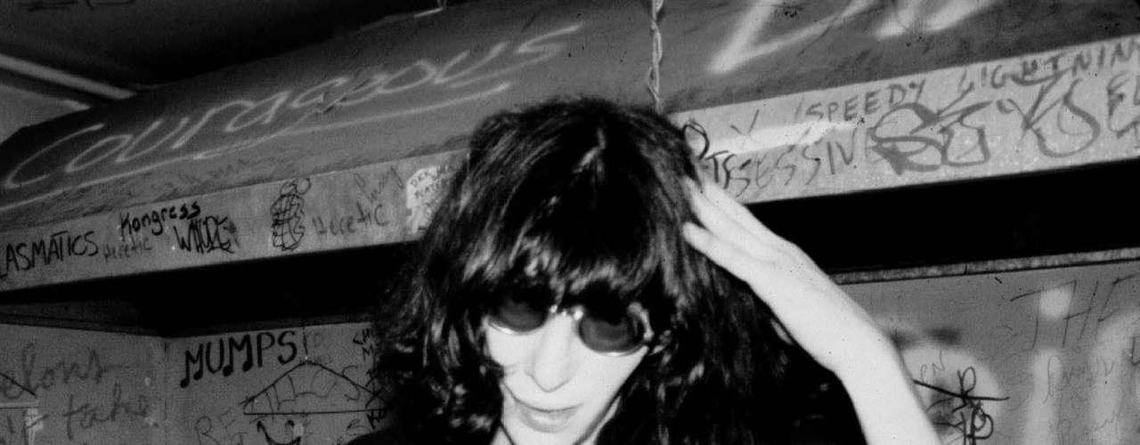 Cuando el vocalista de The Ramones, Joey Ramone murió escuchaba \
