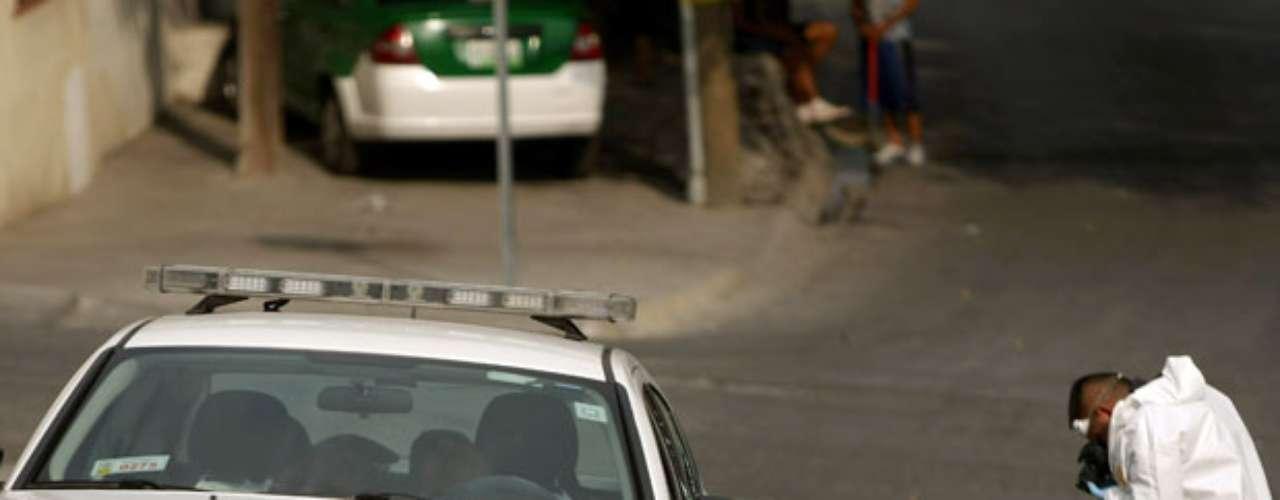 Además de las más 1.600 víctimas mortales que desde 2011 ha dejado en esta ciudad la violencia ligada al tráfico de drogas, Monterrey, la tercera -y moderna- urbe mexicana ha visto derrumbarse su Barrio Antiguo ante la proliferación de la delincuencia.