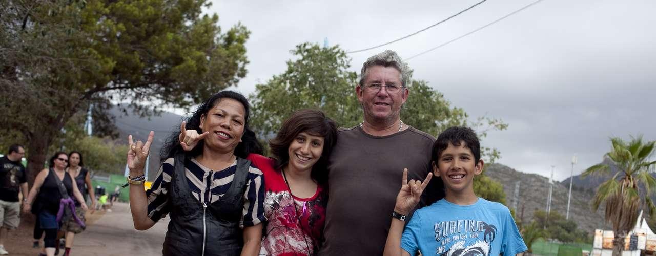 Familia Bohmeyer: Raymel y Rospita llegan desde Hannover con Lea y Rico para ver a Guns N' Roses y Marilyn Manson.