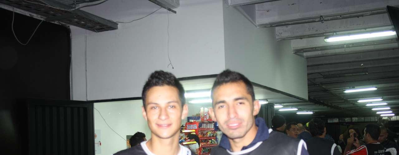 Andrés Villamil y Hugo Acosta, jugadores del actual campeón de Colombia, Independiente Santa Fe.