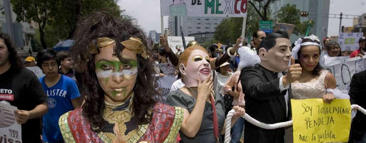 Los convocantes afirman fue una elección amañada de Peña Nieto, candidato de una coalición encabezada por el PRI