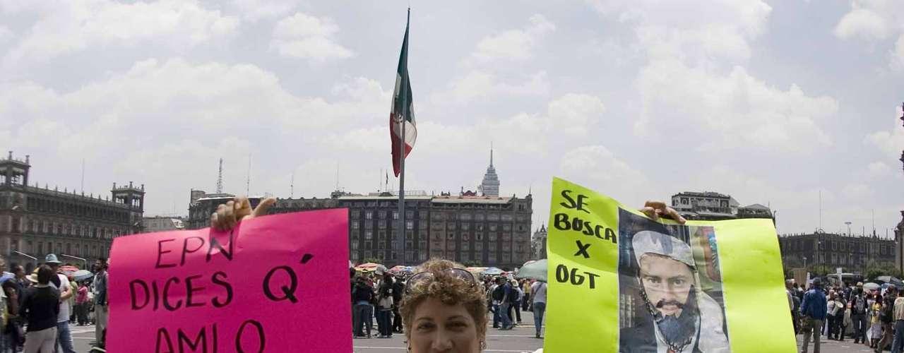 Los manifestantes, la mayoría estudiantes universitarios, expresan su deseo de una democracia plena en México y prometen continuar su lucha