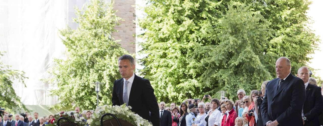 A pocos kilómetros de allí, en su encierro en el penal de Ila, al oeste de Oslo, Breivik aguarda a conocer la sentencia de su juicio, que se difundirá el próximo 24 de agosto. (Fuente Texto: AP/EFE)