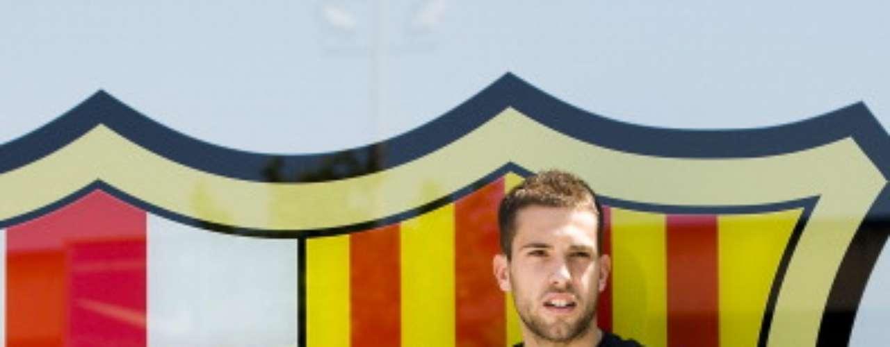 Jordi Alba cumplió uno de sus sueños: regresó al Barcelona, de donde salió por la puerta de atrás hace unos ayeres.