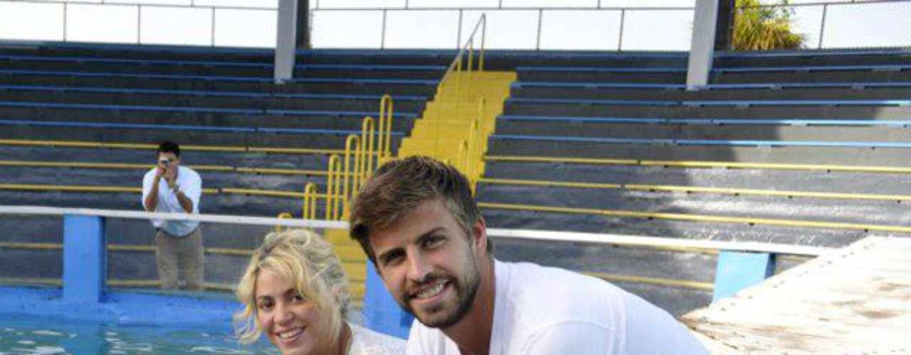 Con estas imágenes se despejan las dudas de un posible embarazo, pues en ellas sólo se observa a Shakira muy contenta, nada de barriguita.