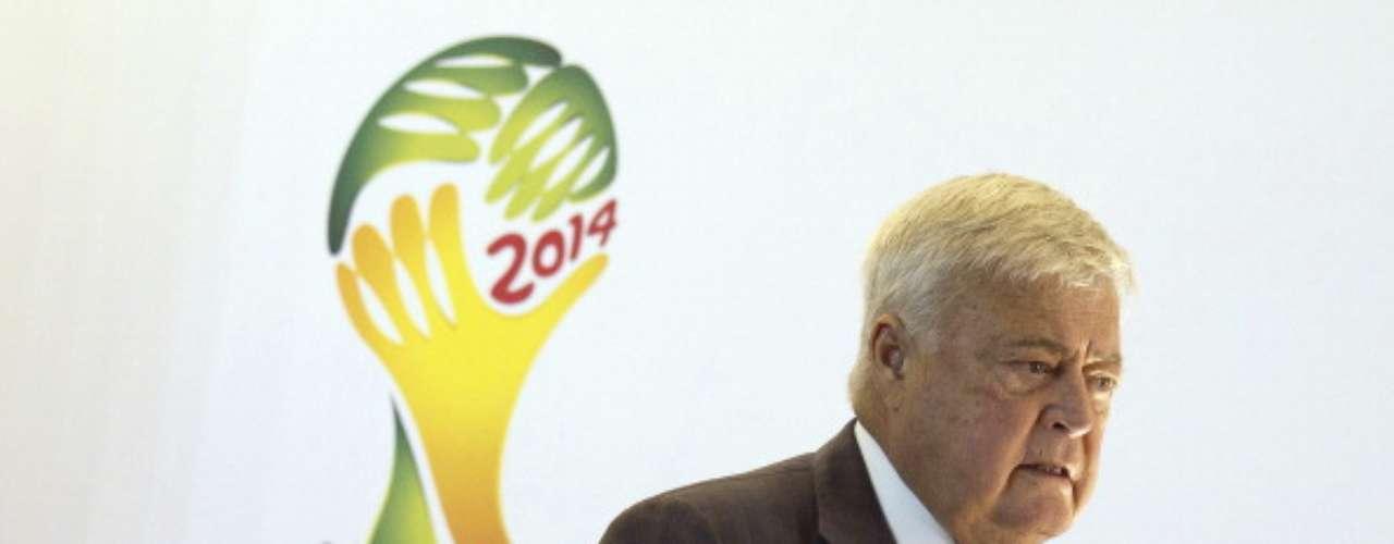 Ricardo Teixeira recibió 13 US$ millones en sobornos relacionados a los derechos de transmisión de diversos Mundiales; renunció a la presidencia de la Confederación Brasileña de Futbol en marzo pasado.