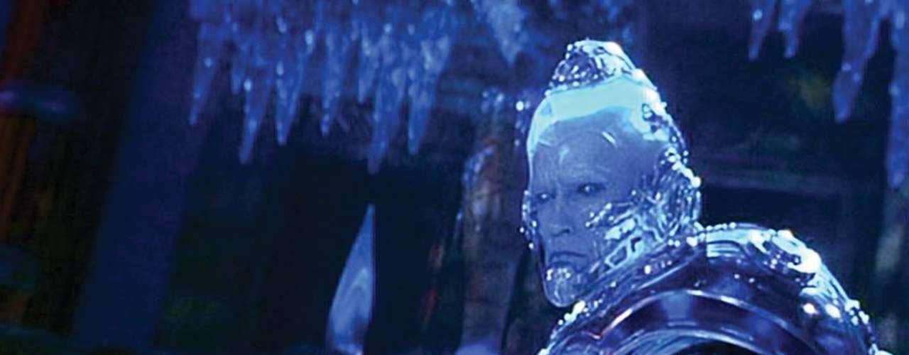 Cuando el mundo creía que los chistes forzados de Tommy Lee Jones eran patéticos, llegó Arnold Schwarzenegger como el 'Señor Frío' en 'Batman y Robin' (1997). Sus bromas sobre frío/hielo/nieve/procesos-de-congelación son lo peor de lo peor. Ya ni hablemos de su traje ultrarobótico color neón o de sus planes para dominar al mundo.
