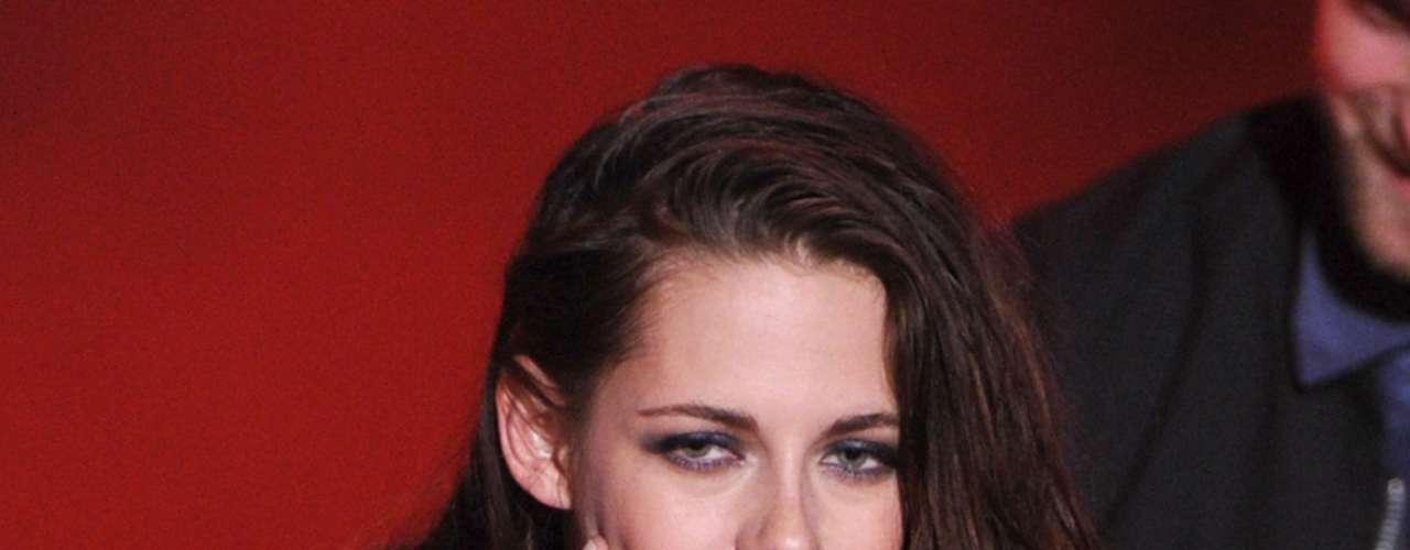 Ante las reveladores fotografías  Kristen admitió la infidelidad: \