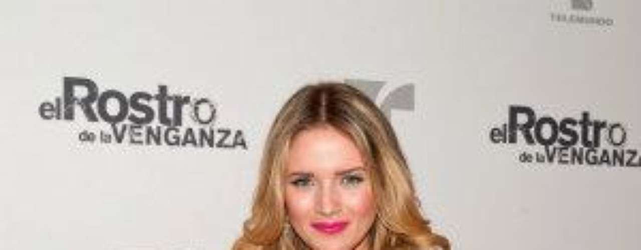 Síguenos en  TwitterGlamour y belleza en lanzamiento de 'Una Maid In Manhattan'Bellos y bellísimas en lanzamiento de 'Corazón Valiente'Elenco de 'La Casa De Al Lado' asistió a su lanzamiento VIP
