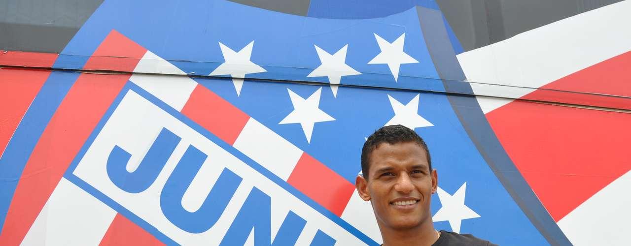Junior es el cuarto equipo en Colombia de este defensor costeño que se destaca por su buena ubicación en el terreno de juego