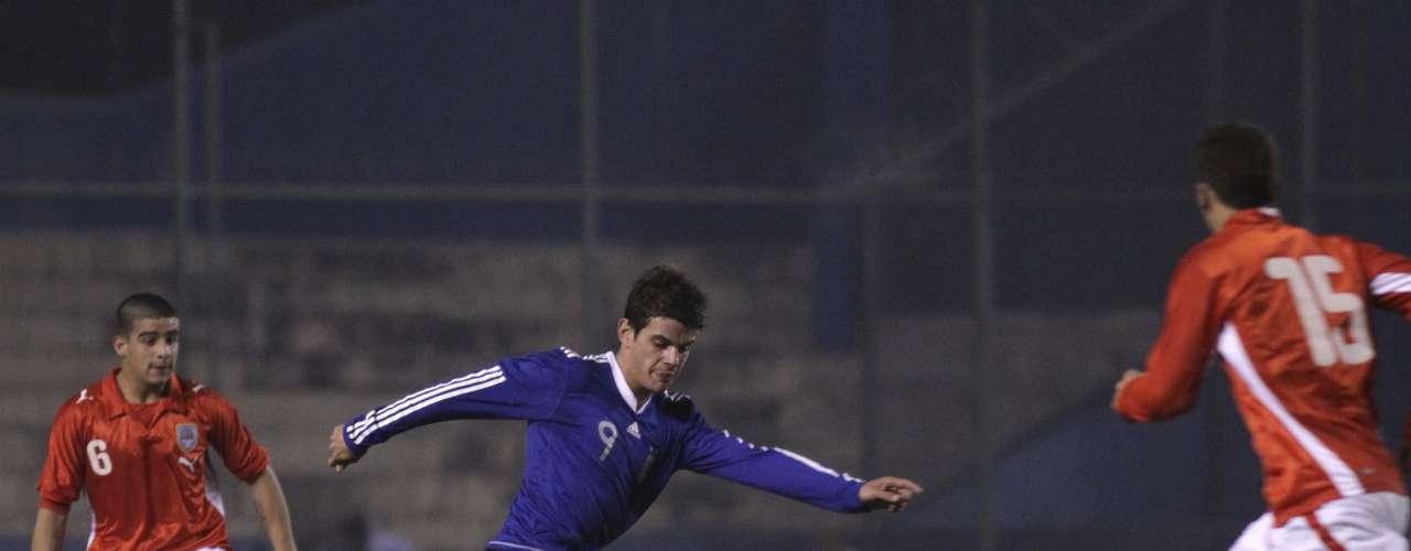 VALENTÍN VIOLA: el argentino de sólo 20 años y que juega en Racing de Avellaneda  interesa al Sporting de Lisboa, que acaba de ceder a Matías Fernández a la Fiorentina.