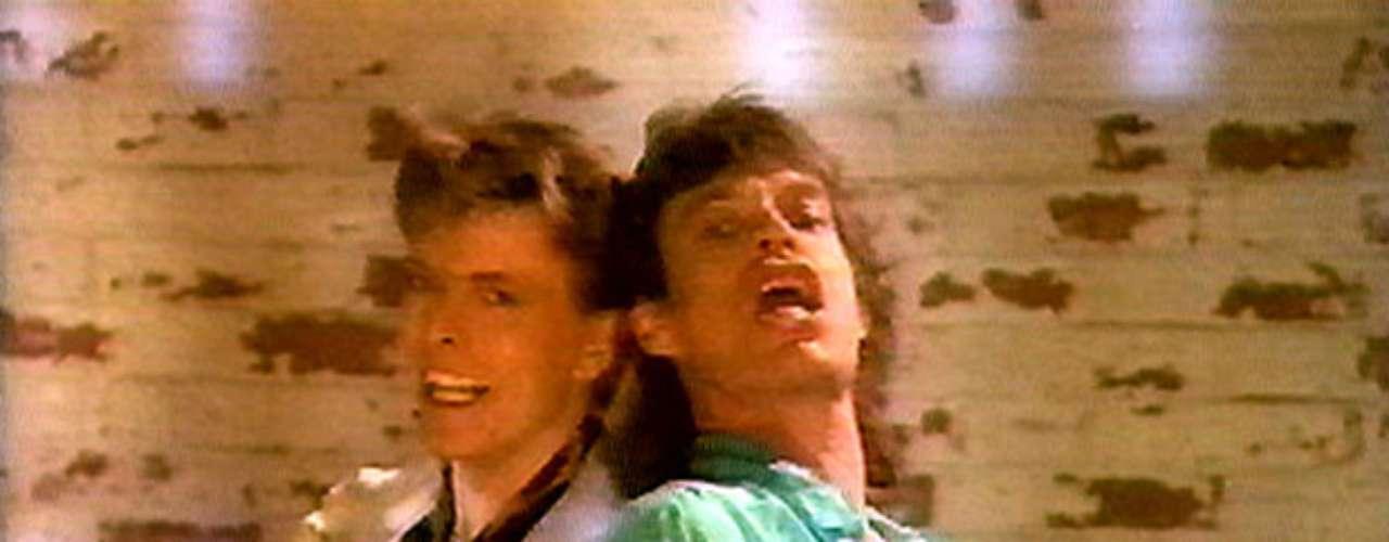 La mutua admiración que sentían David Bowie y Mick Jagger los llevó a traspasar el plano musical, debido a que supuestamente estaban obsesionados sexualmente el uno por el otro. El autor relata que el encuentro íntimo se dió mientras escribían la canción \