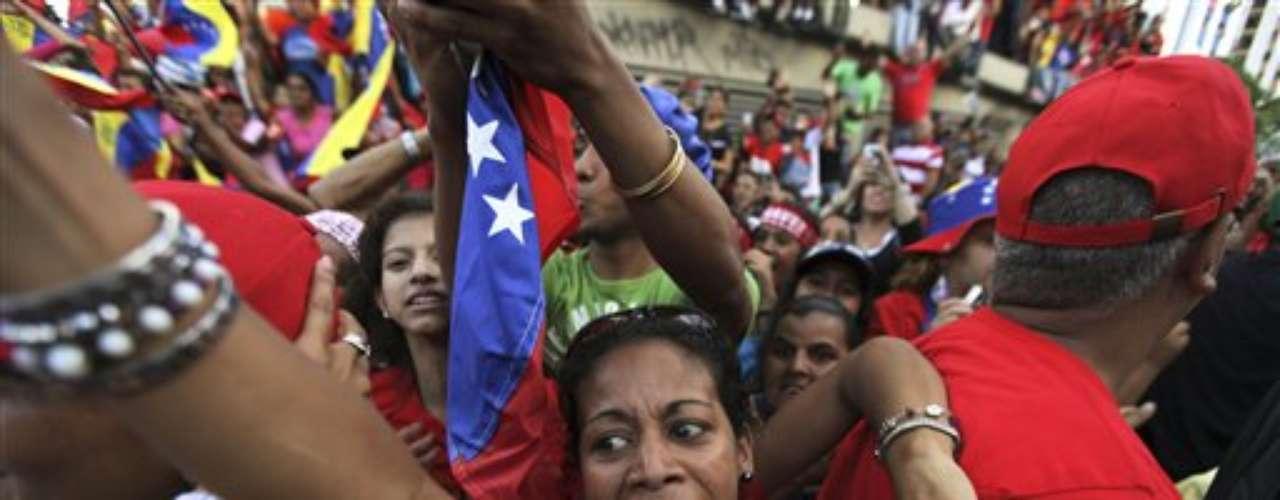 Durante la última semana Chávez ha tenido una agenda reactiva, que se traduce en que se ha centrado en responder las críticas de Capriles.\