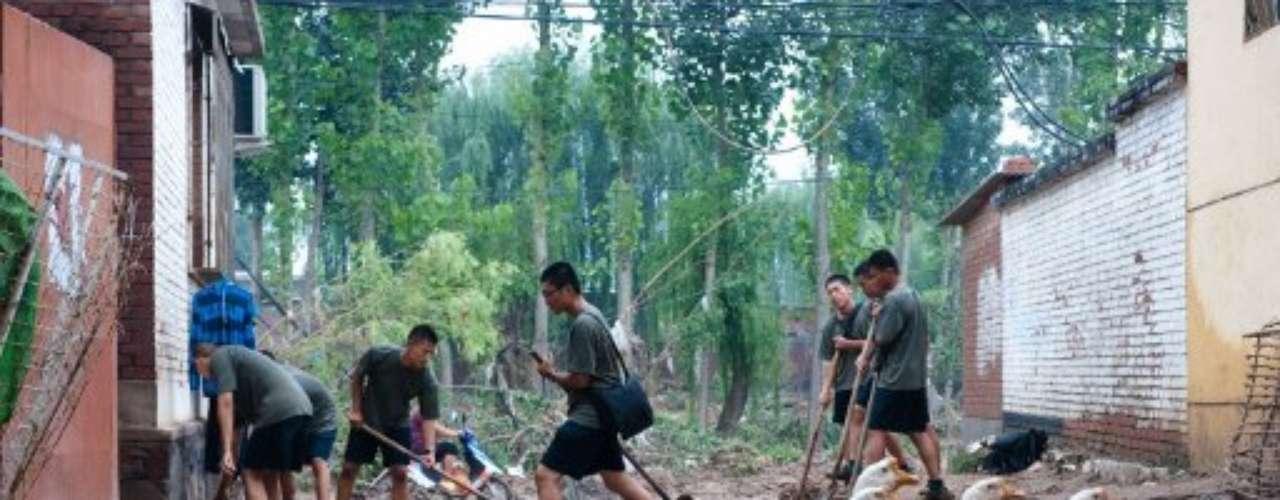 El temporal ha dejado decenas de muertes más en otras partes de China.