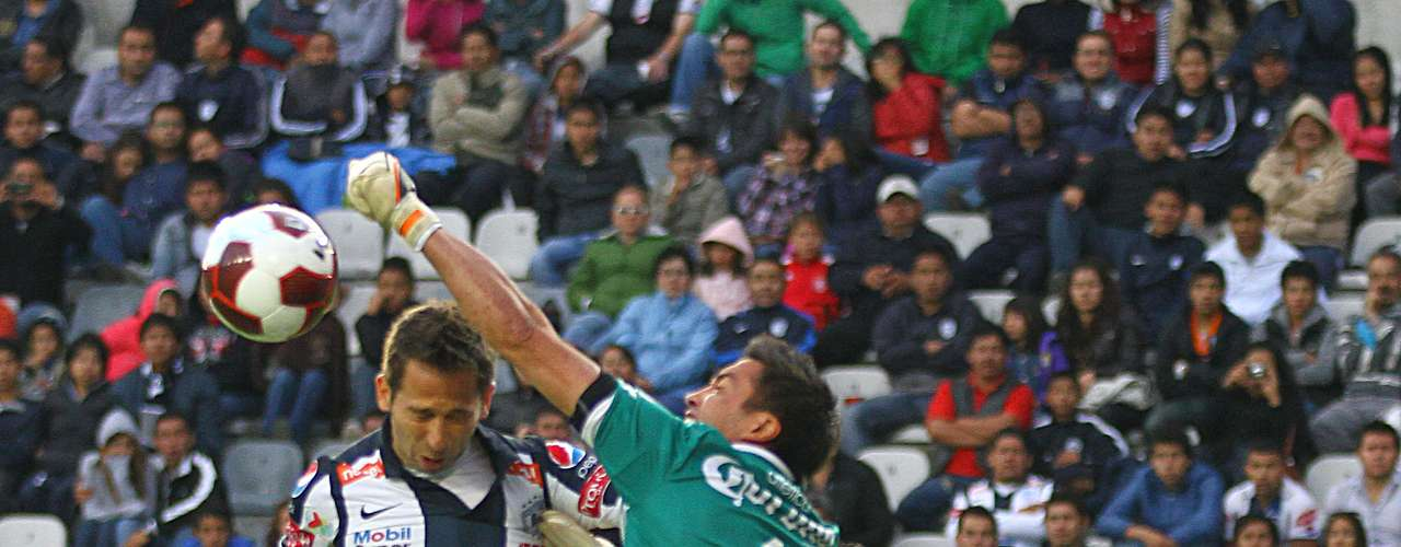 Goalkeeper- Miguel Pinto - Atlas. The goalkeeper had a great game to keep Pachuca from scoring.