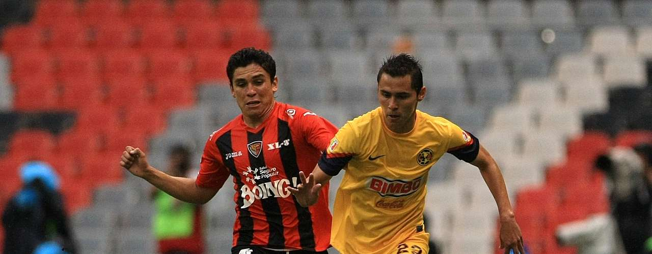 Right back- Paul Aguilar - America. The defender had an assist in the victory against Jaguares.