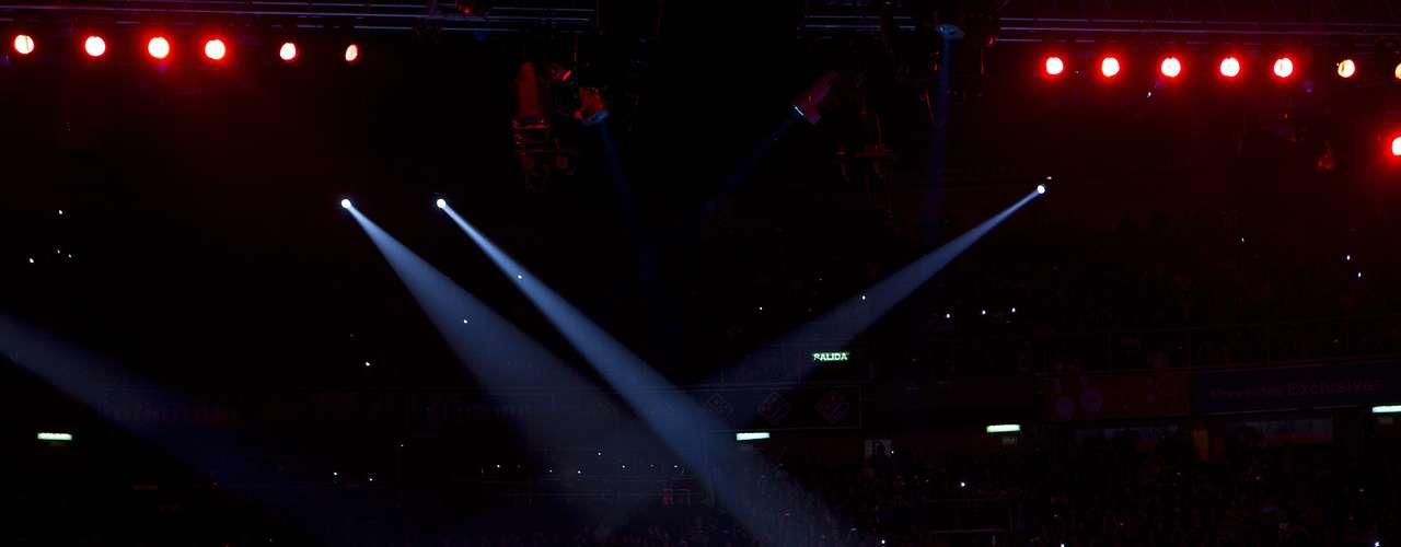 Metallica impresionó a los mexicanos con explosiones, pirotecnia, luces láser, enormes ataúdes móviles con pantallas led y una majestuosa tarima que da vida al espectáculo llamado \