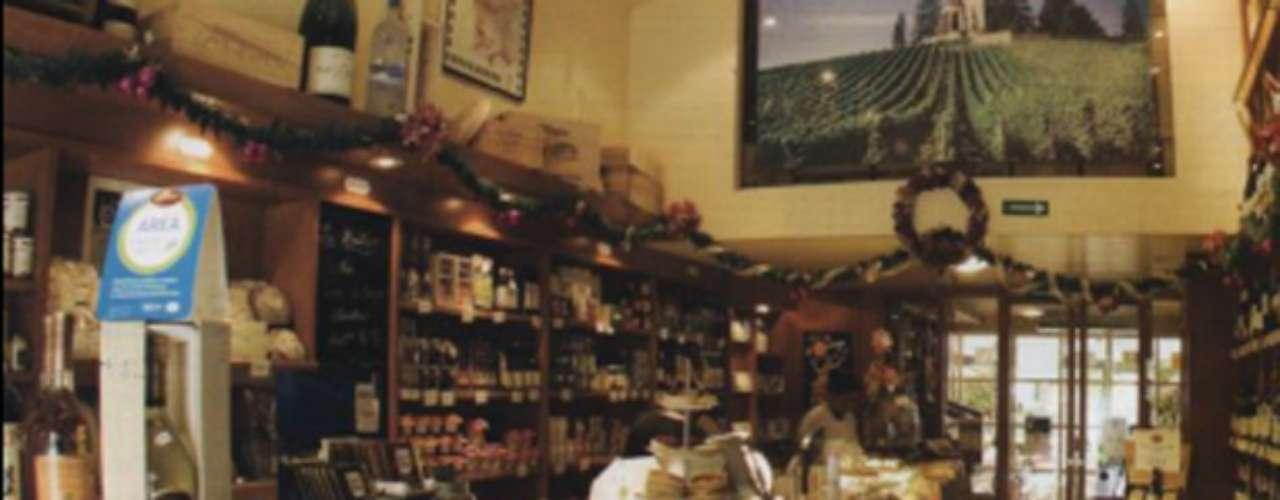 LA BOUTIQUE. Especialidad: charcutería, conservas y quesos europeos. Indispensables: la quiche Lorraine. Tip: los miércoles se ofrece pain poilâne, pan artesanal hecho en París, Francia, que llega por avión. Dónde encontrarlo: Julio Verne 102, Polanco, 5282-2088.