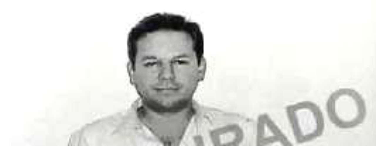 El llamado Rey de las Metanfetaminas, Jesús Amezcua Contreras, y miembro del cártel de Colima fue arrestado en junio de 1998 acusado de lavado de dinero. Actualmente está preso en el penal de Máxima Seguridad de La Palma, sujeto a un proceso de extradición.