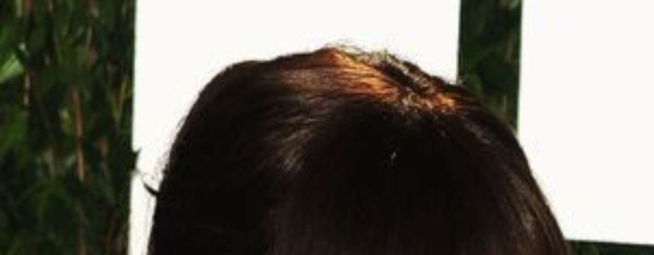 Katie Holmes recibirá US$ 10 millones para mantener a Suri:  La actriz Katie Holmes y su exmarido Tom Cruise finalmente llegaron a un acuerdo de divrcio en donde se establece que el actor pagará más de 10 millones de dólares en concepto de pensión para su hija Suri. Varias fuentes insisten en que los rumores que apuntaban que Katie recibiría más de 50 millones son \