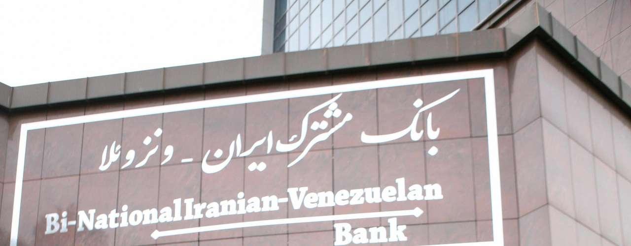El Departamento de Estado lamentó que a pesar de estas sanciones, Venezuela haya permitido que el Banco de Desarrollo y Exportación de Irán continúe operando en el país.