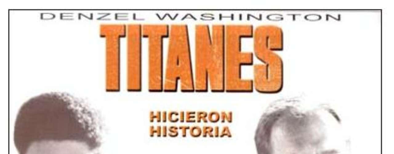 Recuerden a los Titanes (2000). Denzel Washington se destaca en esta película, en donde encarna a Herman Boone, un entrenador que lucha contra la segregación racial que se evidencia en su equipo de fútbol americano, el cual se conforma por jóvenes de diferentes razas. Finalmente, juntos consiguen ser verdaderos campeones, dejando a un lado el racismo.