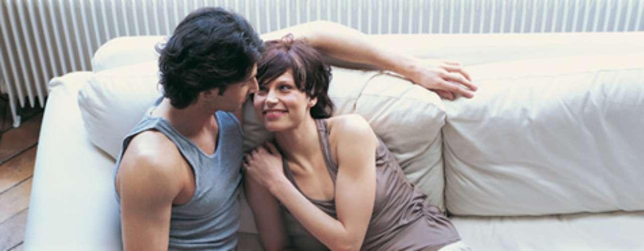 20. Hablar de sexo. Muchas parejas no hablan de sexo, no dicen sus gustos íntimos. Pero cómo va a saber el otro lo que te gusta si nunca se lo dices.