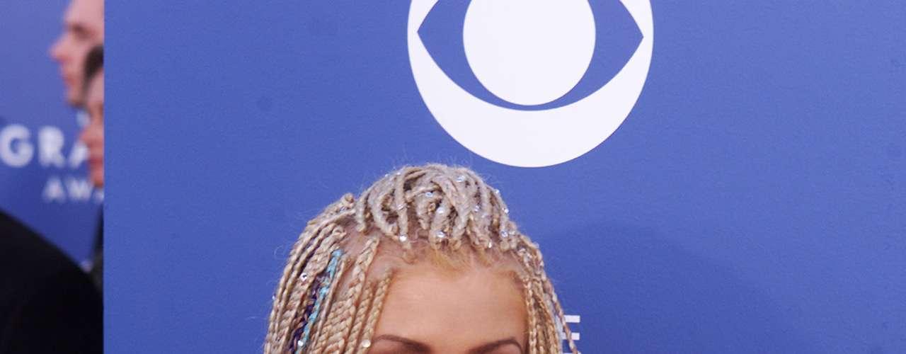 No sólo las curvas de Aguilera crecieron con el tiempo, también lo hicieron sus pechos.