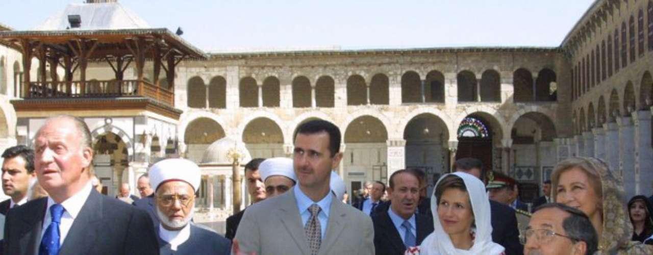 Bashar Al Asad es el presidente de Siria desde el año 2000, cuando tomó el relevo de su padre Hafez Al Asad, que estuvo en el poder durante 30 años.