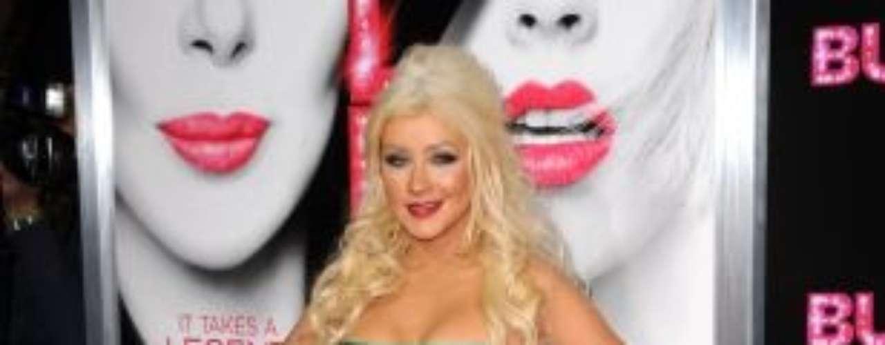 A  Christina no le importa ser criticada por su nueva figura, ya que ella ha dicho, en muchas oportunidades, que no está interesada en perder peso y que se siente cómoda con su figura actual.