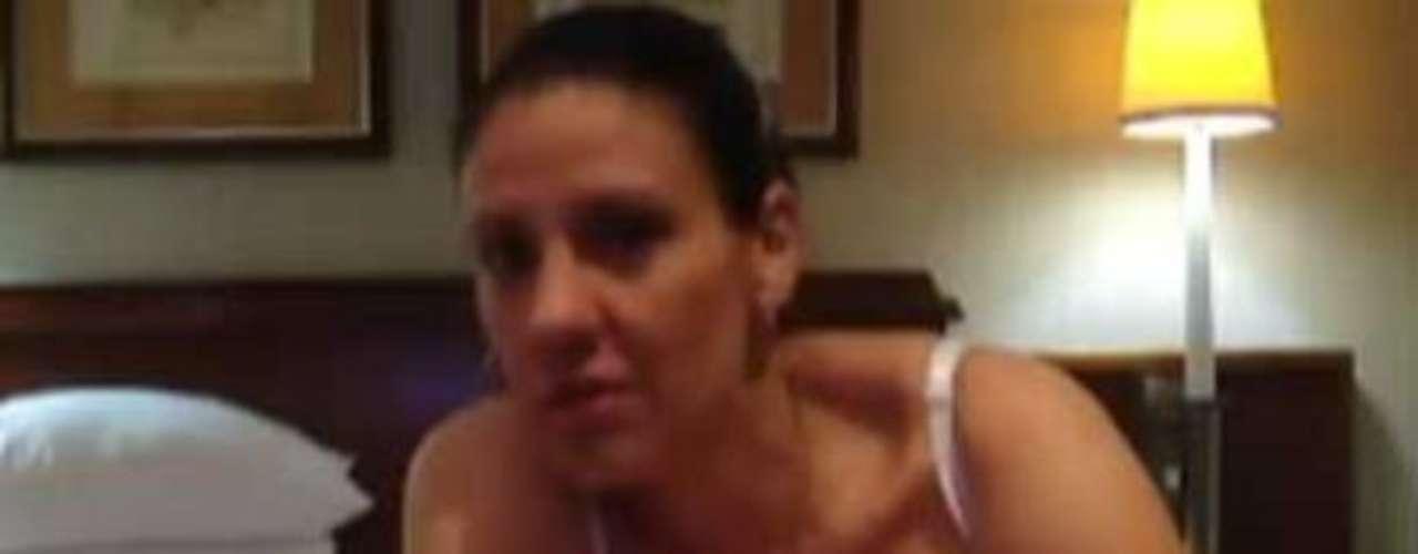 Después de que se diera a conocer la destitución de la viceministra de juventud de Costa Rica, Karina Bolaños, por la filtración de un video intimo que dio la vuelta al mundo, diversos medios digitales de comunicación registraron la polémica noticia de esta manera.