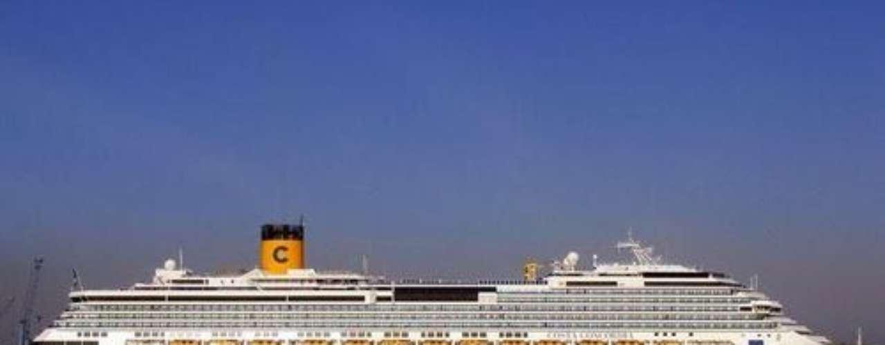El capitán del Barco, Francesco Schettino, fue señalado de ser el responsable del naufragio, debido a que abandonó la embarcación sin auxiliar a los pasajeros. Un juez determinó que debe permanecer bajo arresto domiciliario.