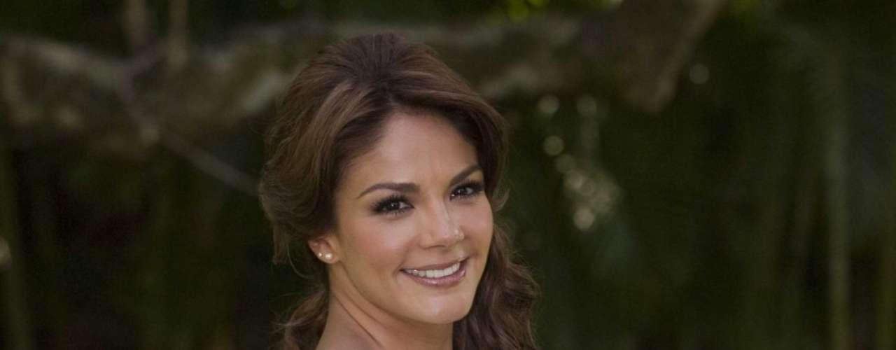 Rossana Nájera, exnovia de Cuauhtémoc Blanco, es la protagonista de la historia campirana.Ella dará vida a Lorenza.