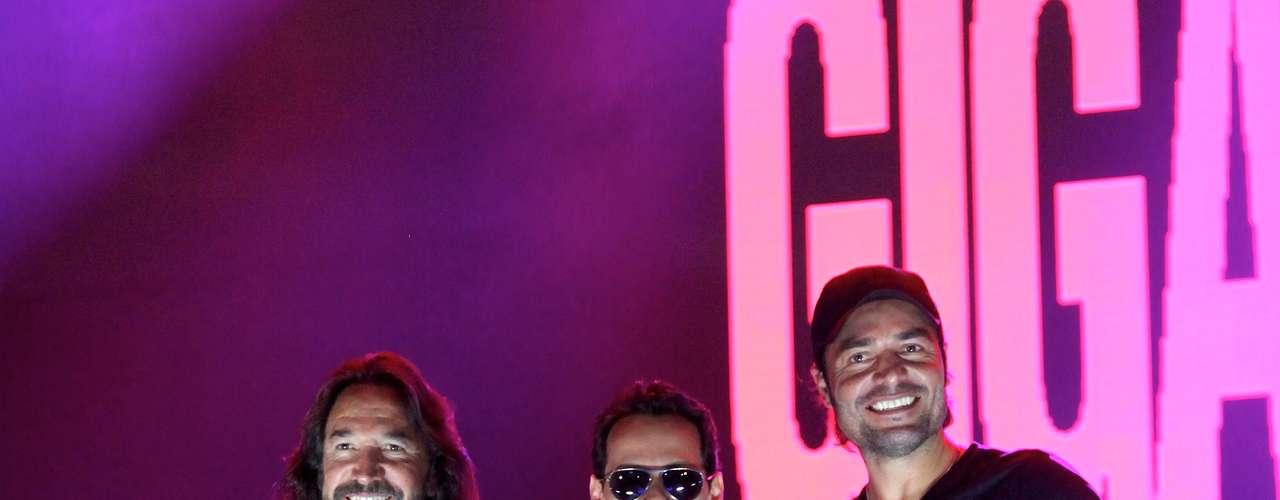 Marco Antonio Solis, Marc Anthony y Chayanne posaron para los medios poco antes de ensayar el concierto que ofrecerán el próximo 3 de agosto en el American Airlines de Miami, show inaugural de su gira por Estados Unidos.