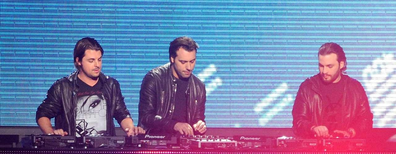 Con sus ganancias de $14 millones de dólares anuales, el trío Swedish House Mafia quedó en tercer lugar.
