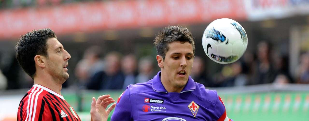 STEVAN JOVETIC: El volante de Fiorentina tiene sólo 22 años, pero ya es el capitán del equipo y despertó el interés de clubes como Juventus.