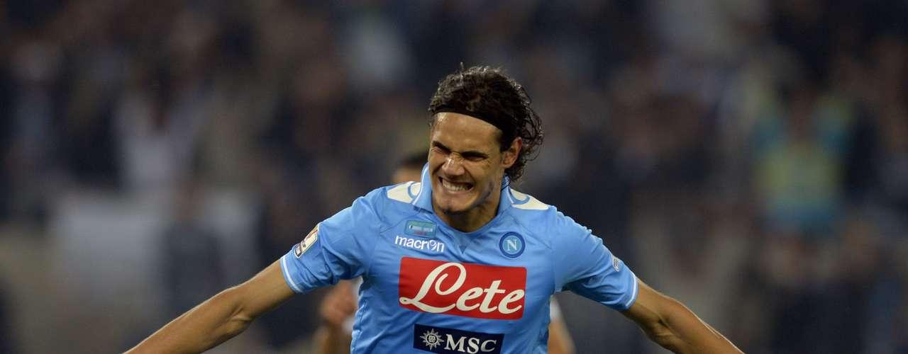 EDINSON CAVANI: El delantero uruguayo ha sido pieza clave en el Nápoles durante las últimas dos temporadas, por lo que el éxito del equipo en este año depende en gran parte de sus goles.
