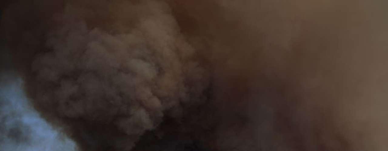 Para la noche del viernes, las llamas se habían extendido por 207 kilómetros cuadrados (20 millas cuadradas), pero las autoridades dijeron más tarde que el incendio disminuyó debido a que había menos viento y más humedad.
