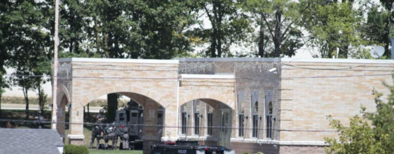 Un sospechoso de un tiroteo ocurrido el domingo en un templo de la religión sij en Wisconsin fue \