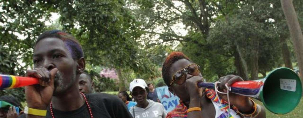 Activistas homosexuales realizaron este sábado la primera Marcha del Orgullo Gay en Uganda, en el Jardín Botánico de Entebbe, Kampala.