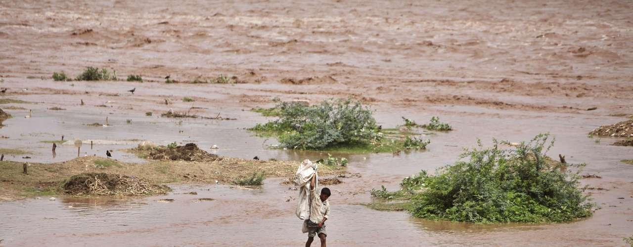 Veintitrés trabajadores de una planta hidroeléctrica del Estado de Uttarakhan murieron después de que el agua inundara las instalaciones el sábado, indicó el ministro de Gestión de Siniestros, Yashpal Arya.