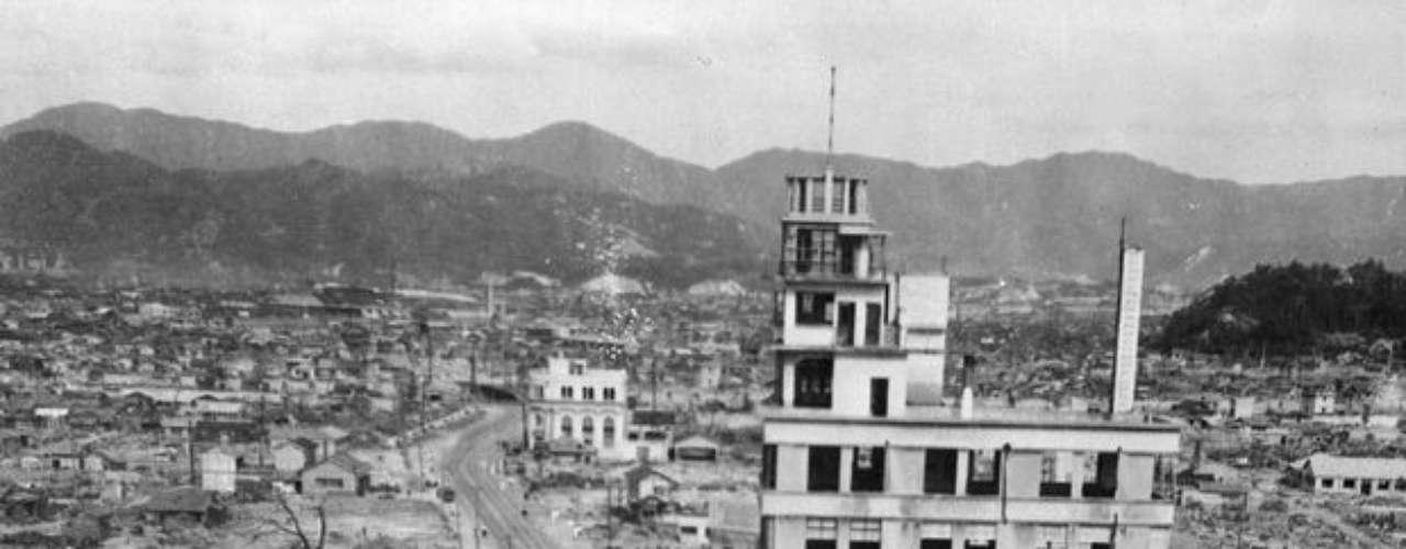 Tres años después de la bomba atómica, Hiroshima aún mostraba las secuelas de la devastación nuclear.
