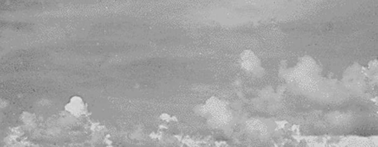 El bombardero B-29 después de lanzar la bomba atómica sobre Hiroshima, Islas Marianas del Norte