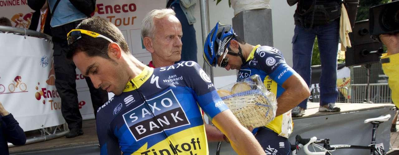 Alberto Contador del Saxo Bank reaparece tras cumplir su sanción. La sanción fue impuesta por el TAS el pasado 6 de febrero.