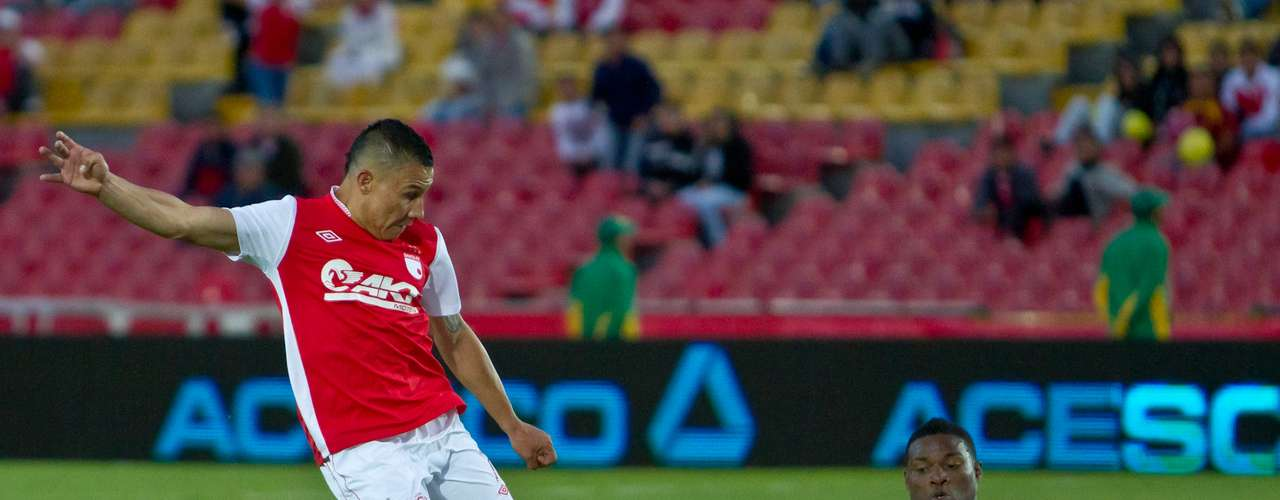 En la segunda parte Santa Fe encontró rápidamente la igualdad, con gol de Luis Carlos Arias.